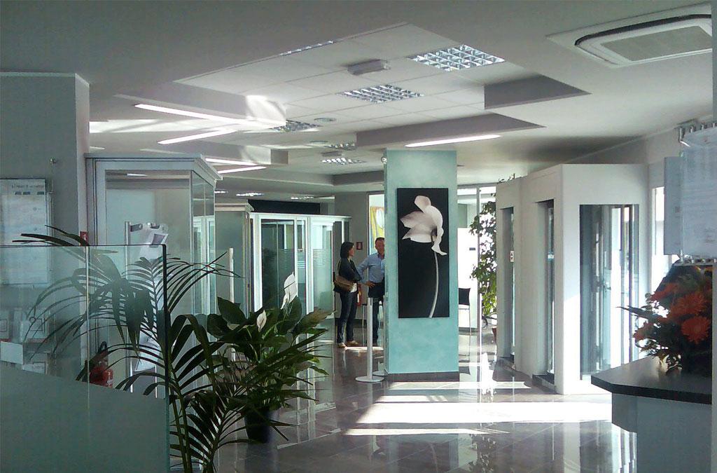 Ristrutturazione agenzia banca cariri